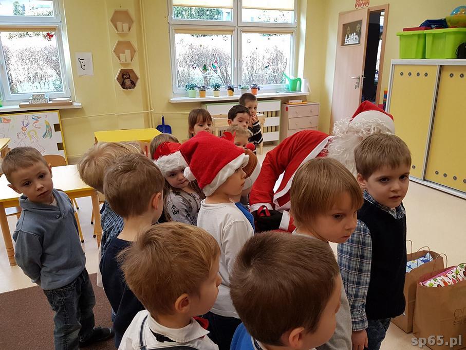 Galeria: Gwiazdor w przedszkolu - grudzień 2016