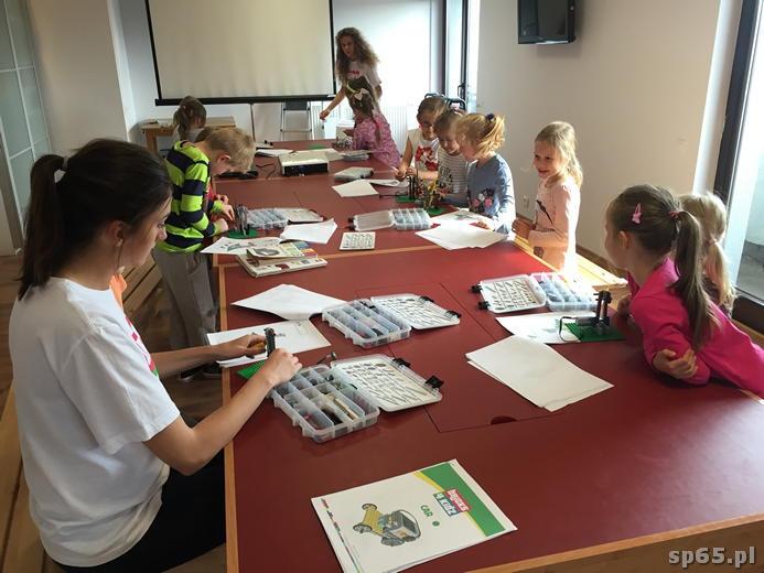 Galeria: Klasa 1b w Centrum kreatywności BRICKS 4 KIDZ - wrzesień 2016