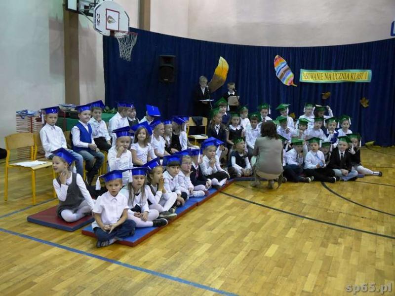 Galeria: Pasowanie na ucznia Szkoły Podstawowej nr 65 - październik 2014