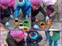 Przedszkolacy sadzą cebulki kwiatowe - marzec 2016