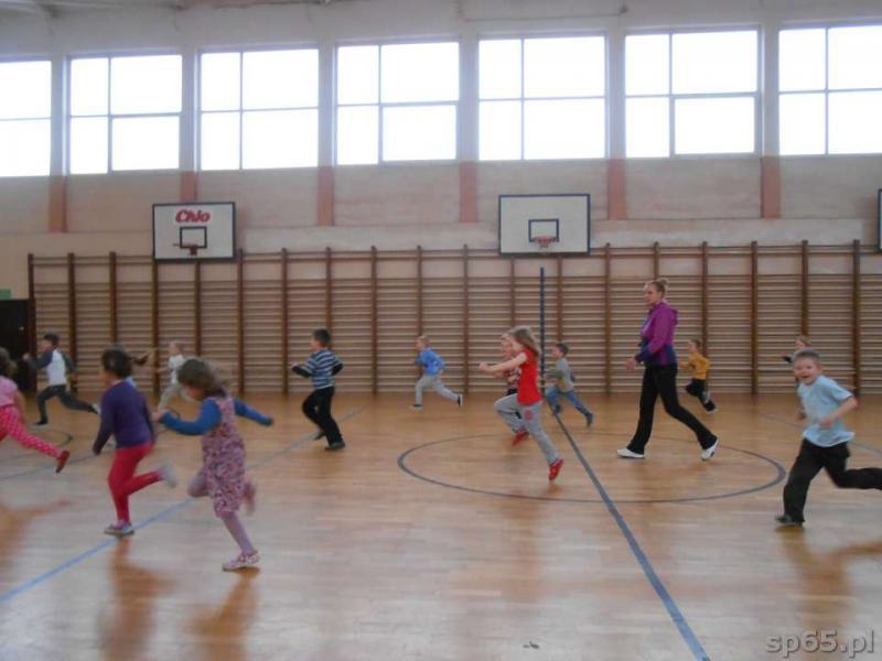 Galeria: Zajęcia sportowe z koszykówki - marzec 2014